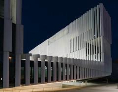 Modern architecture building in center of Lisbon / Modernes ArchitekturgebŠude im Zentrum von Lissabon