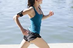 Se correr o bicho pega, se ficar o bicho come! Correr demais também não é bom.