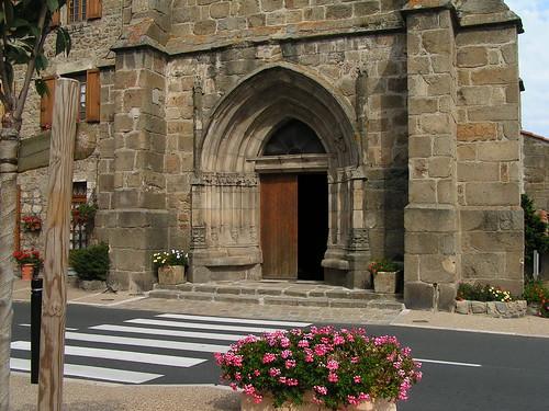 20080831 28848 1001 Jakobus St Jean Soleymieux Kirche Portal