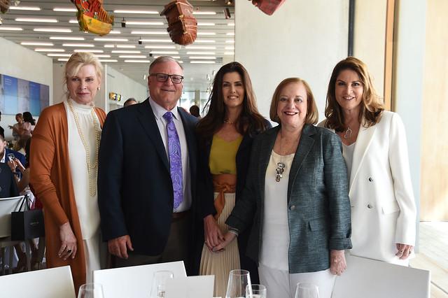 Pamela Luria, Peter Luria, Darlene Boytell-Pérez, Gloria Luria, & Nancy Luria Cohen