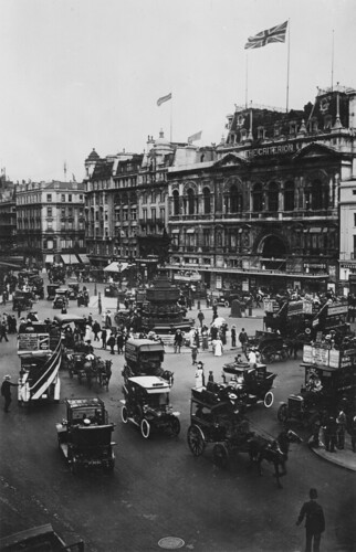 Piccadilly Circus: 1913