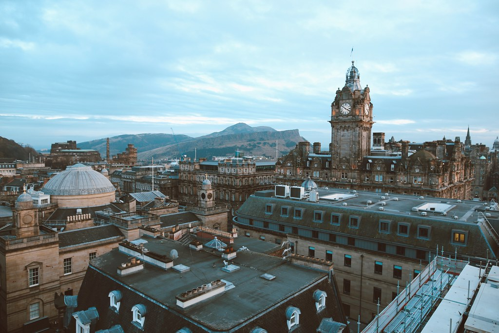 The Little Magpie Guide to Edinburgh