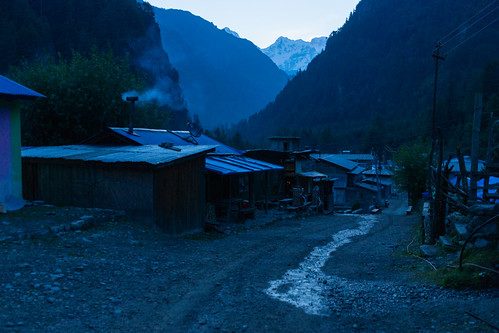 koto narphuarea nepal peak dawn mountain sunrise village chame gandakizone np