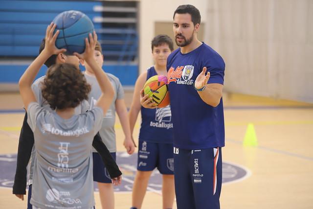 #CANTERACMB | Álvaro De Pedro imparte una charla a los entrenadores de cantera