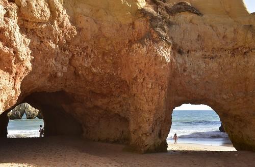 Die Küste bei Três Irmãos; Portimão, Algarve (437)