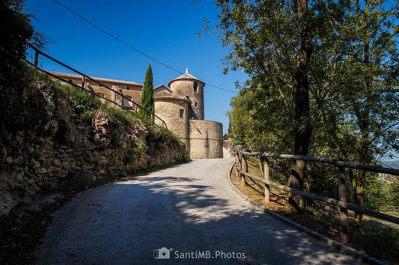 Llegando al Castell de Penyafort