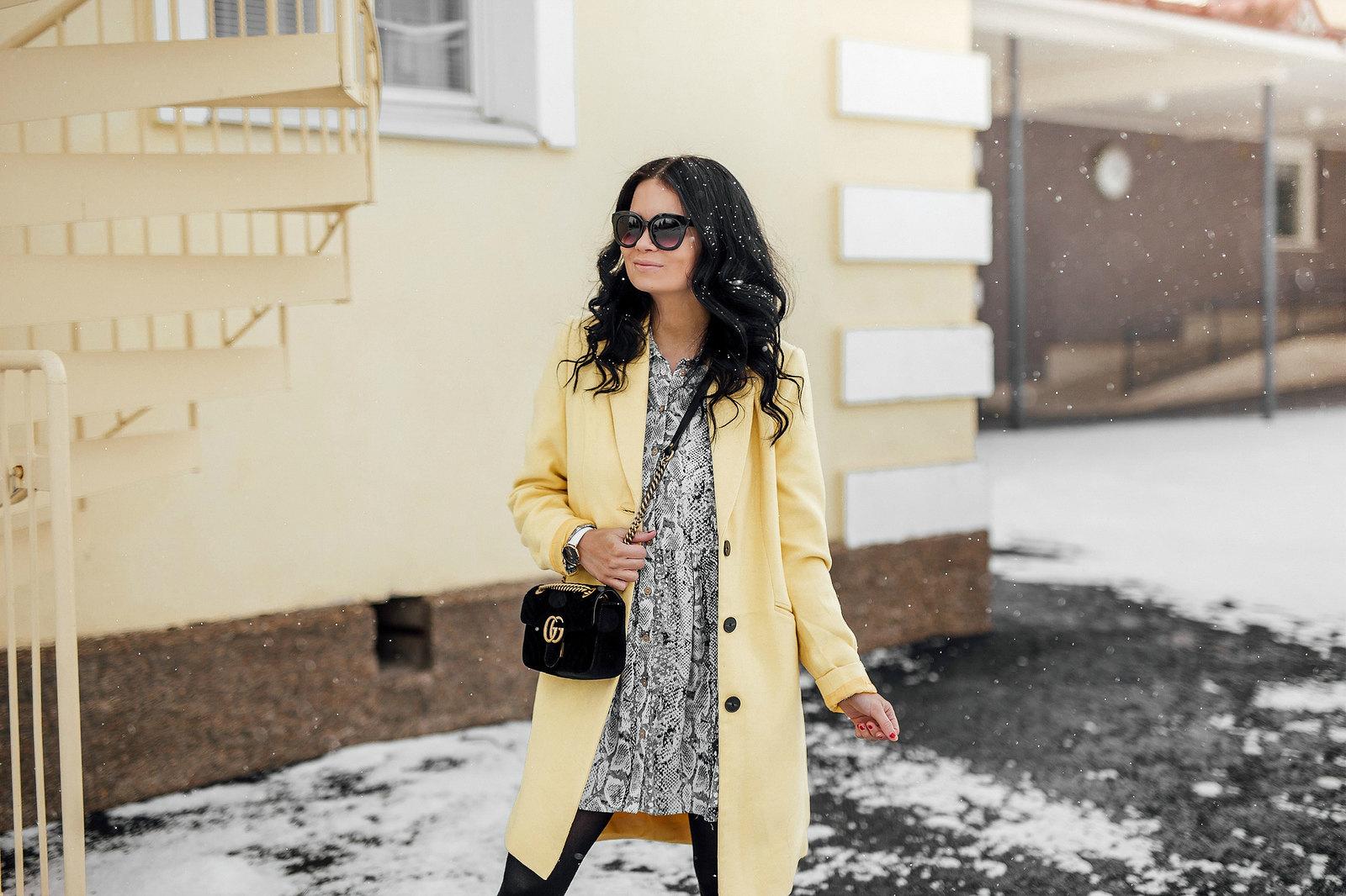 keltaiset takit