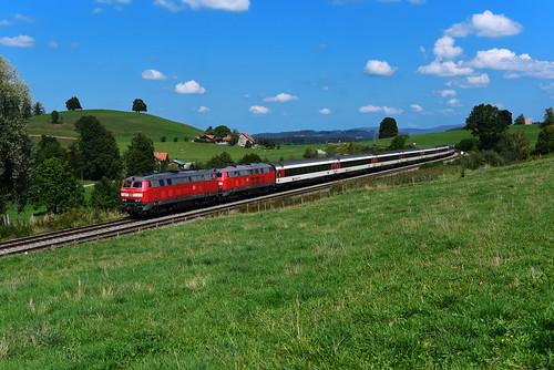 218 416-6 u. 218 426-5, DB, EC 194, Heimhofen (4695)