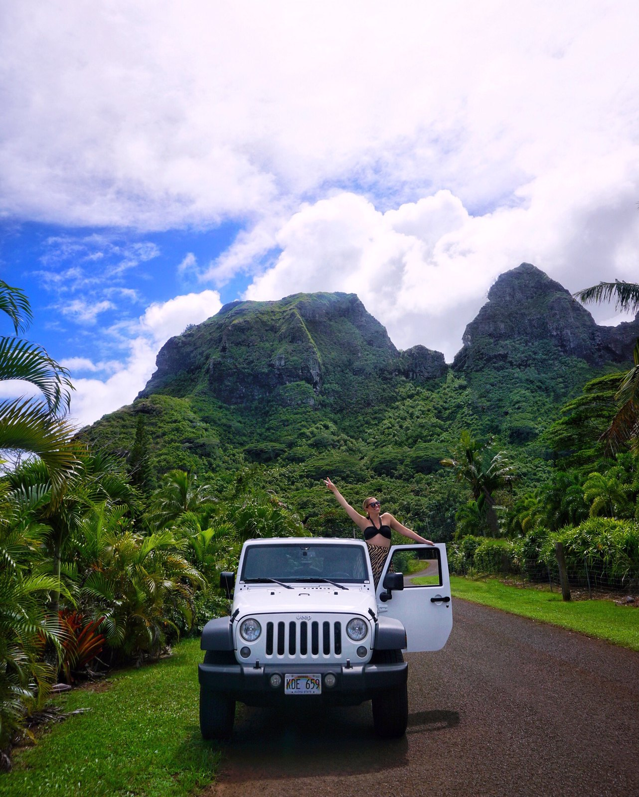 Jurassic Park White Jeep Hawaii Outfit Best Things to do in Kauai Hawaii