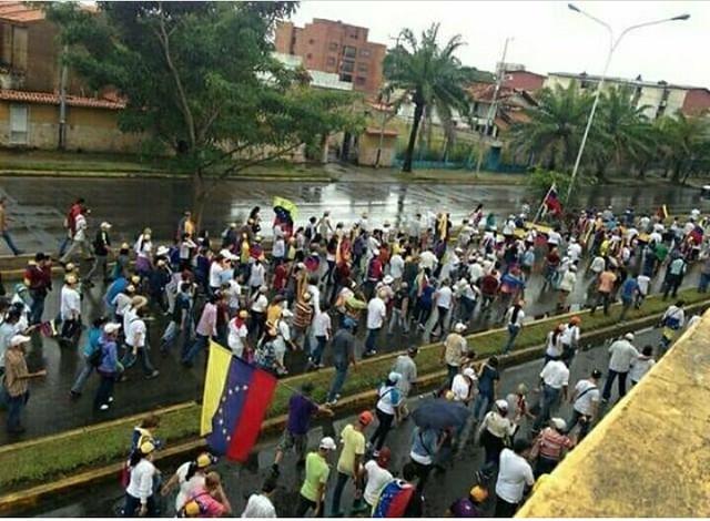 Chavismo e oposição medem força nas ruas da Venezuela nesta quarta-feira (23)