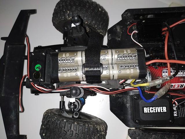 REELY Free Men Jeep Cherokee : réplique ou copie du Scx10 II ? - Page 2 46043878645_45a17faaa6_z