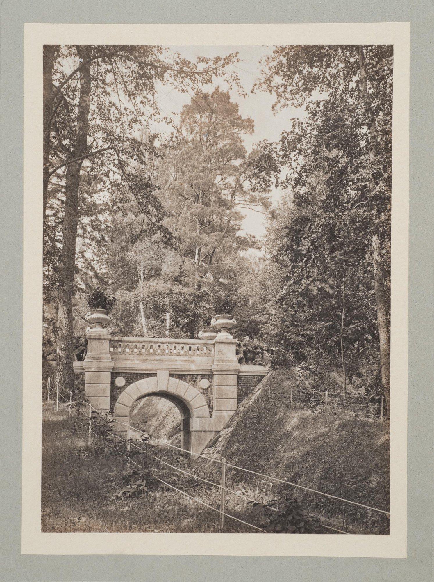 1910. Одинцово-Архангельское, мост в парке