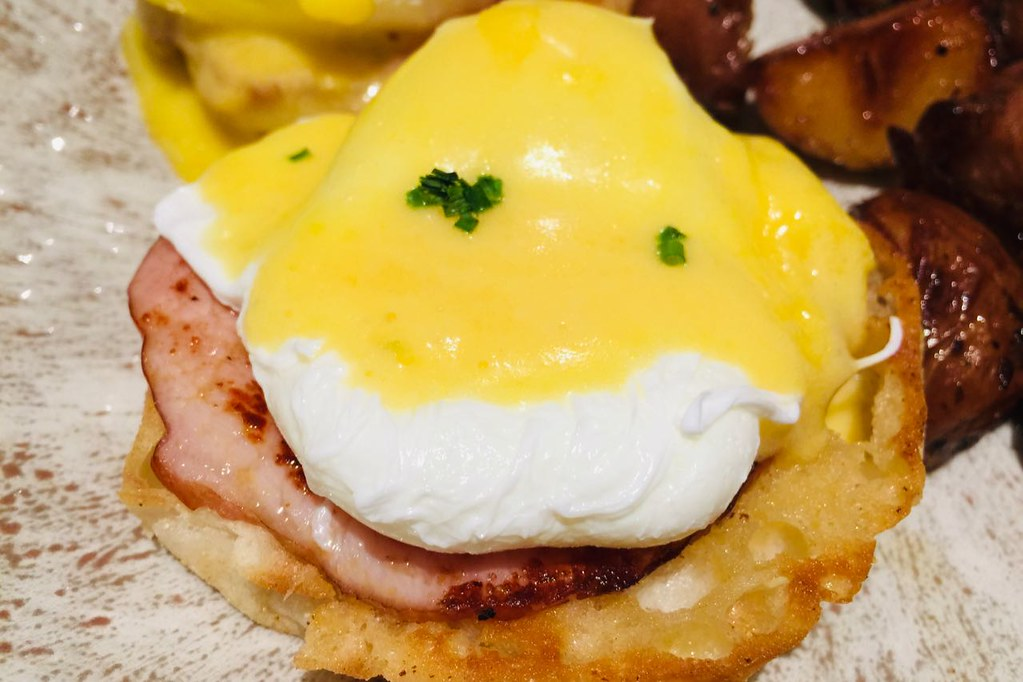 tomsonsrestaurant-eggsbenny3