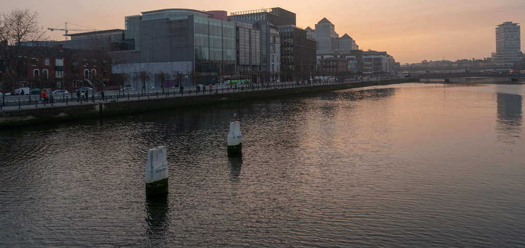 SUNSET IN THE DOCKLANDS 003