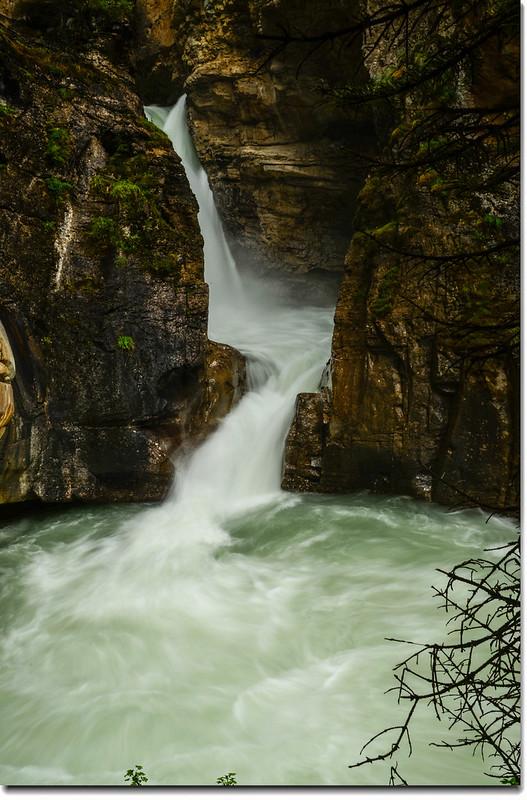 Johnston Canyon Falls (lower) (2)