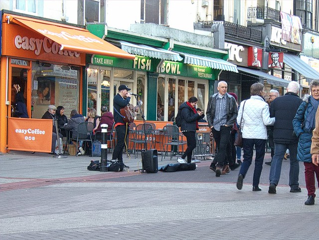 Buskers in town 3, Hastings., Fujifilm FinePix E900