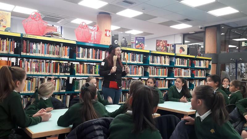 Aprendemos a buscar libros en una biblioteca