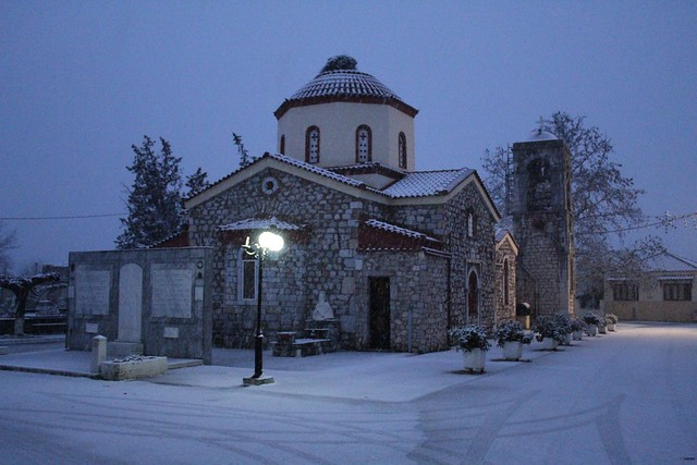 Ι. Ναός Αγίου Σπυρίδωνα, στο ομώνυμο χωριό της Βοιωτίας. (Greece, Viotia, Agios Spyridonas)., Canon EOS 4000D, Canon EF-S 18-55mm f/3.5-5.6 III