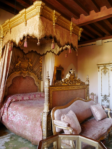The Victoria Bedroom