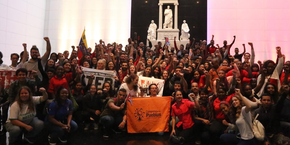"""Brigada Internacionalista """"Che Guevara"""" rinde honores al Libertador Simón Bolívar"""