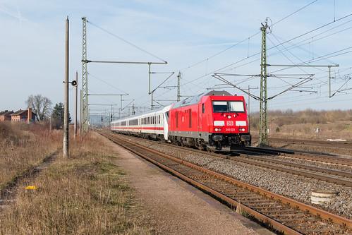 245 023 mit IC 2151 in Neudietendorf