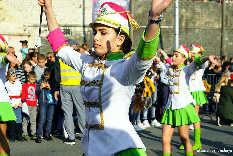 Выступление мажореток Котора на Зимнем карнавале