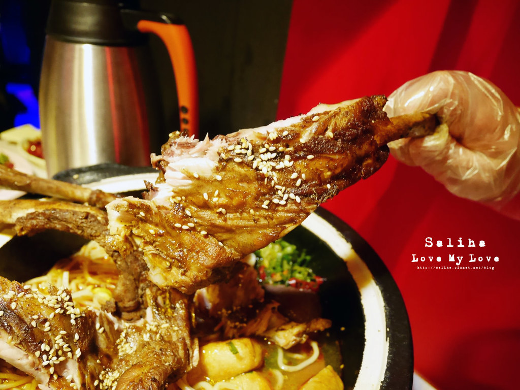 台北松山區小巨蛋站附近餐廳推薦水貨炭火烤魚麻辣火鍋涮涮鍋大份量肉盤 (6)