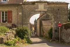 Chateauneuf-en-Auxois - sens interdit