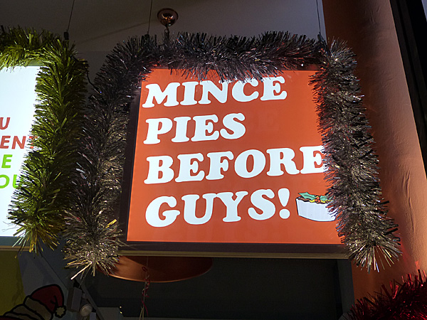mince pies before guys
