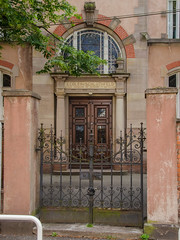 Porte de l'école du Schluthfeld