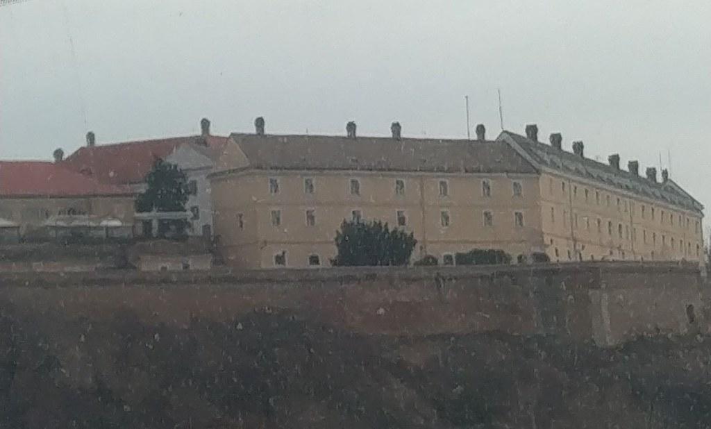 佩特罗瓦拉丁城堡