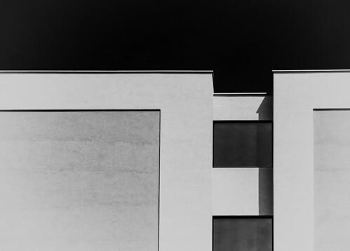 wall_abstract b&w