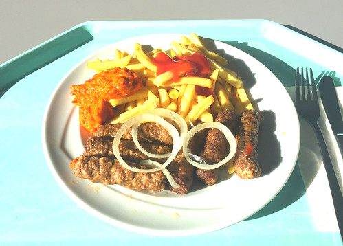 Cevapcici with fresh onions, ajvar & french fries / Cevapcici mit frischen Zwiebeln, Ayvar & Pommes Frites