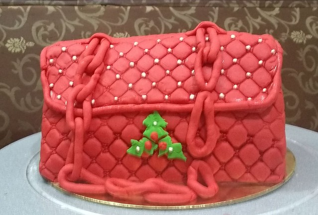 Christmas Purse Cake by Sabiha Jafri