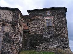 20080515 23078 0905 Jakobus Montverdun Burg Haus Mauer - Photo of Mornand-en-Forez