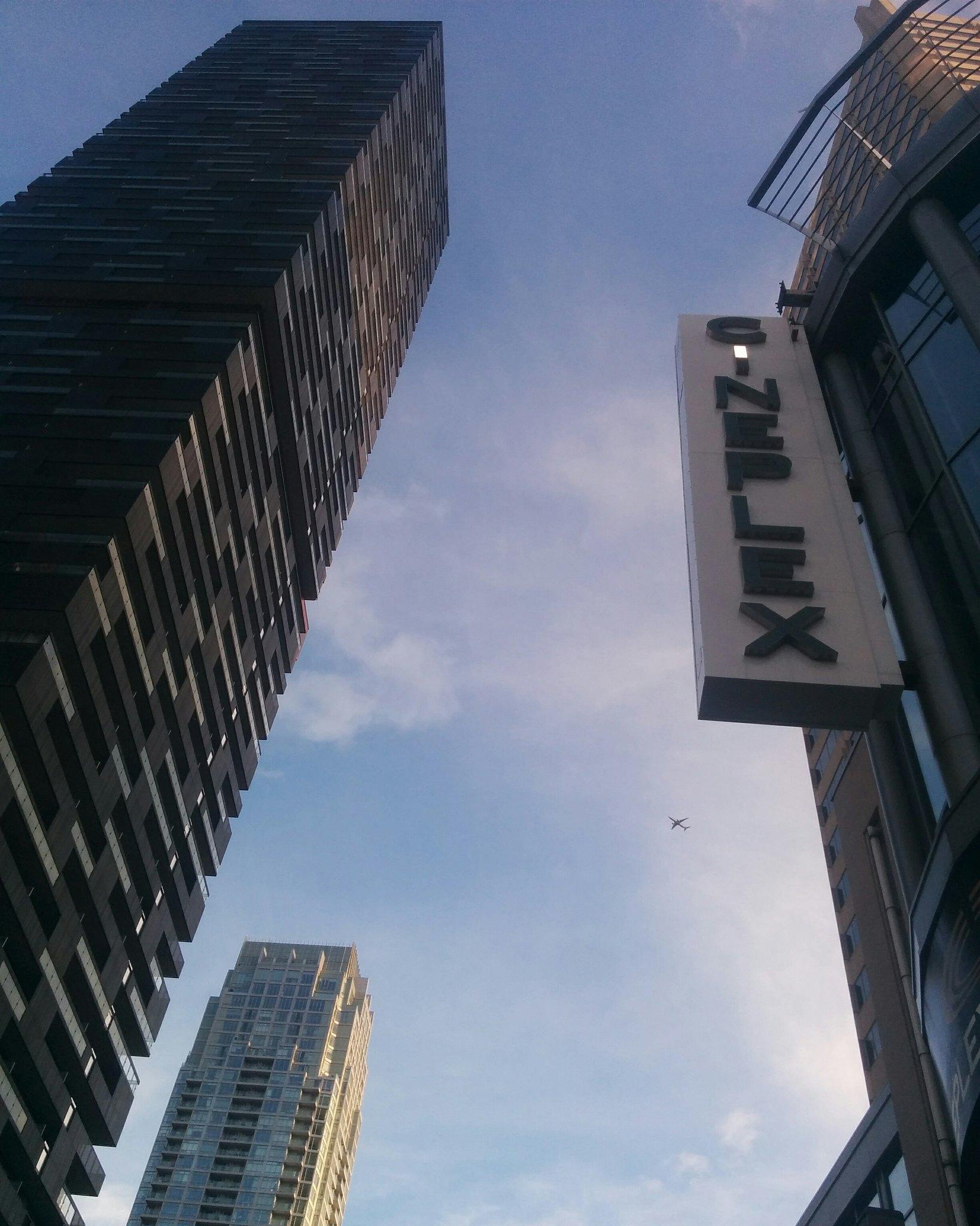 A slice of blue evening sky south down Yonge #toronto #yongeandeglinton #yongestreet #blue #sky #evening