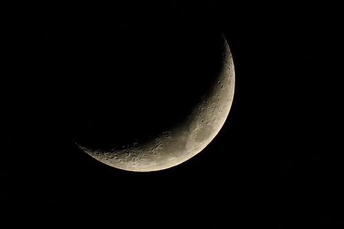 DSC00970 (2) Waxing Cresent Moon 22.4%