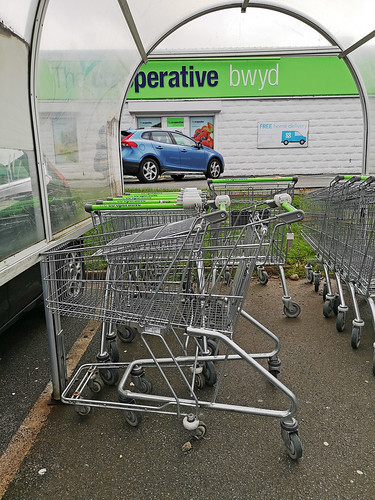 Tangled trolleys