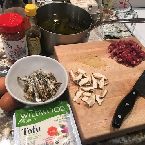 Making soon tofu from scratch