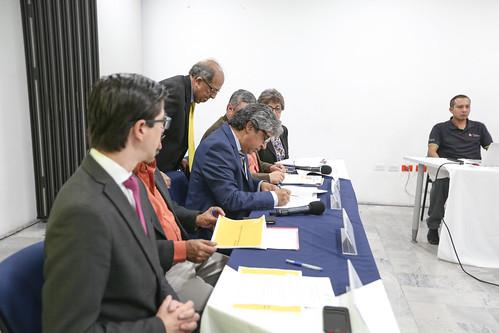 Acuerdo Ministerial de reducción de carga administrativa a los docentes - Quito