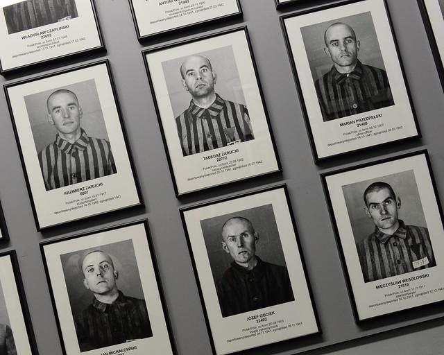 Fotografías de presos judíos del campo de concentración Auschwitz