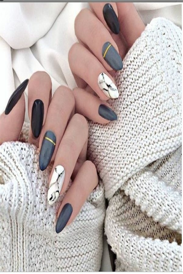 Top 33 Amazing Nail Art Design Ideas 2019 #2019_nails #nail_art_designs #winter_nails #holiday_nails