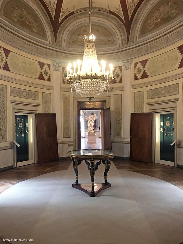 Stanze dell'Imperatrice Elisabetta: Sala ovale (o sala dei pranzi giornalieri)