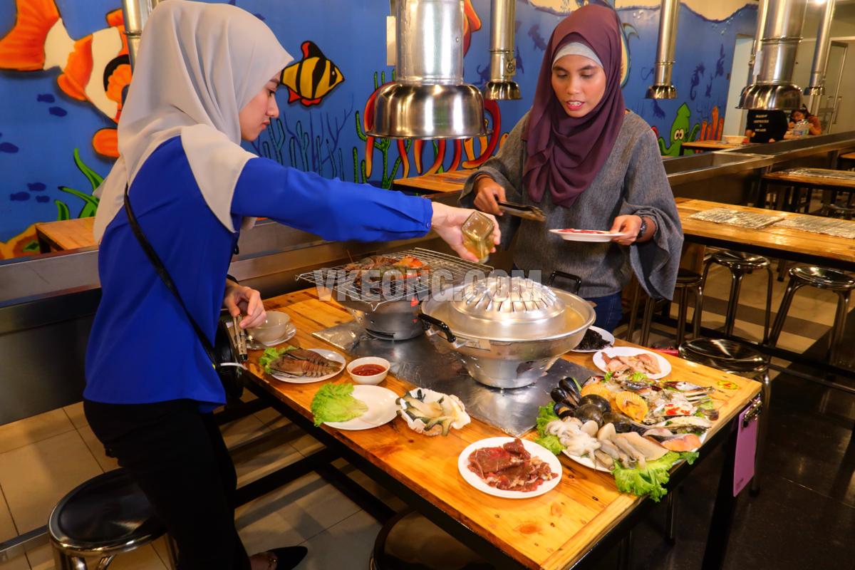 Talaykrata-Seafood-BBQ-Publika