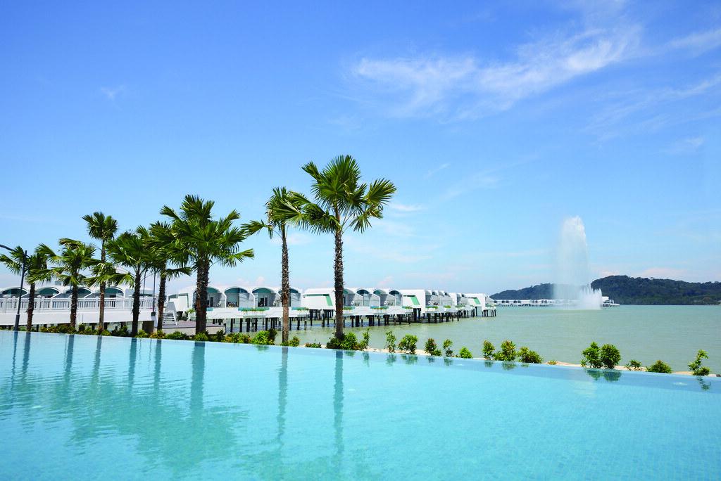 Beach, Cruise & Outdoor Activities