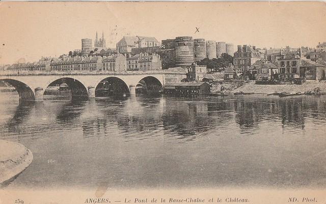Pont de la Basse-Chaîne et château, Angers, Maine-et-Loire