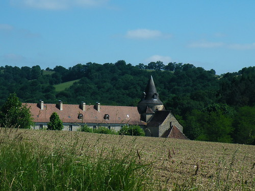 20090531 143 1110 Jakobus Sauvelade Klosterkirche Feld Wald Hügel