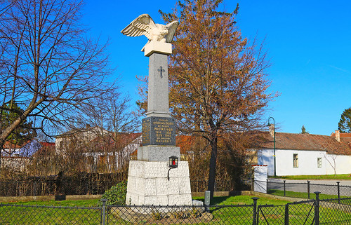 Kalladorf. Kriegerdenkmal, 1925