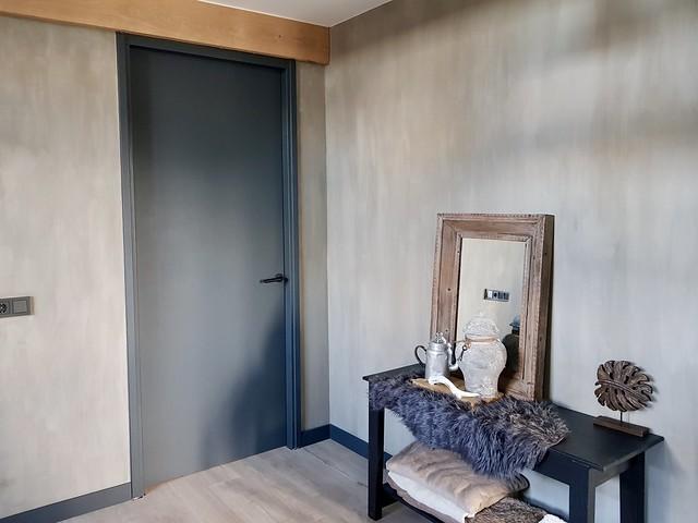 Hal tafeltje houten balk vachtje spiegel