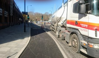 New stepped track from Brill Place (junction Pancras Road) with green signla for cycles